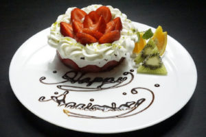 自家製ホールケーキ